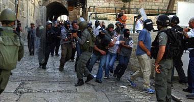 مستوطنون يقتحمون المسجد الأقصى.. والاحتلال يعتدى على المصلين ويعتقل 5