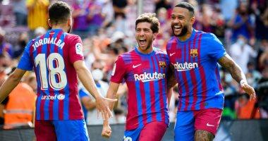 21 لاعبًا في قائمة برشلونة ضد غرناطة بالدوري الإسباني.. وغياب بيدري وألبا